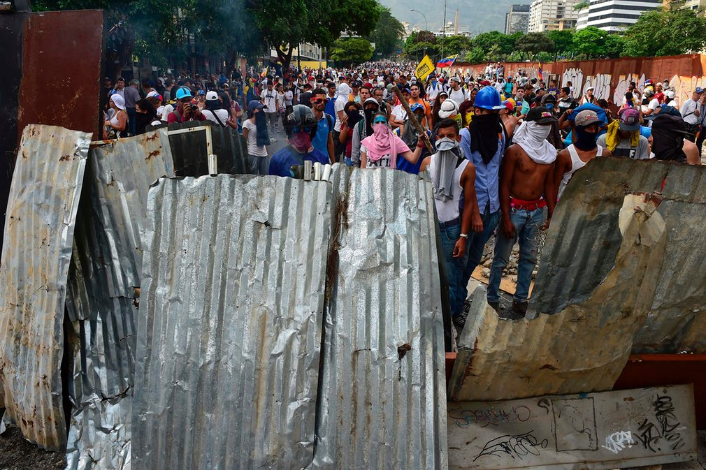 Fotos en contra de la marcha opositora en Caracas | iJustSaidIt.com